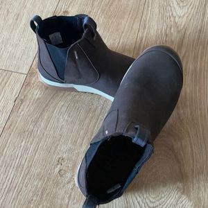 OBOZ leather ankle boots sz 7